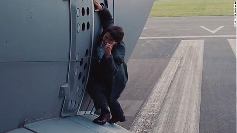 How Tom Cruise Dangled From Moving Plane Cnn Com