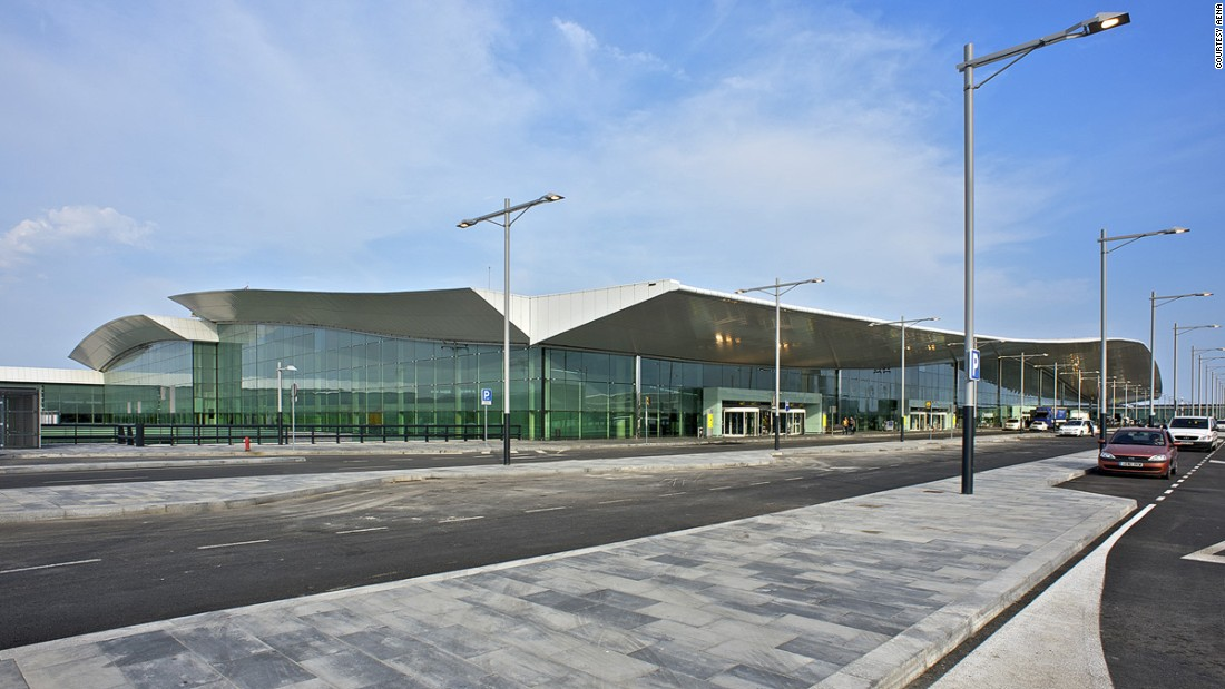 Galapagos Airport Hailed As The World S First Quot Green