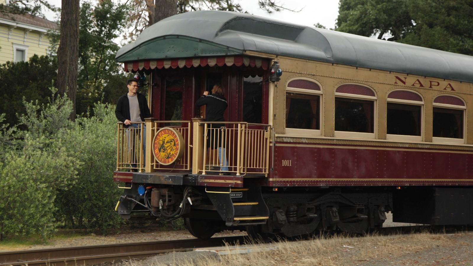 Napa Valley Wine Train CEO apologizes to book club - CNN