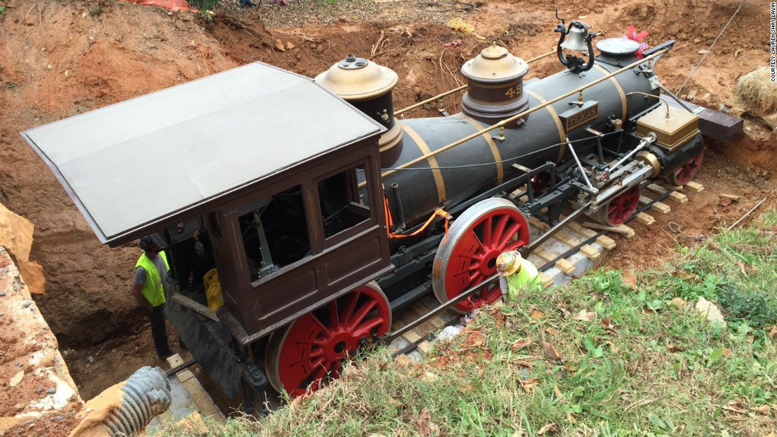 Do the locomotion: Civil War train removed from basement - CNN