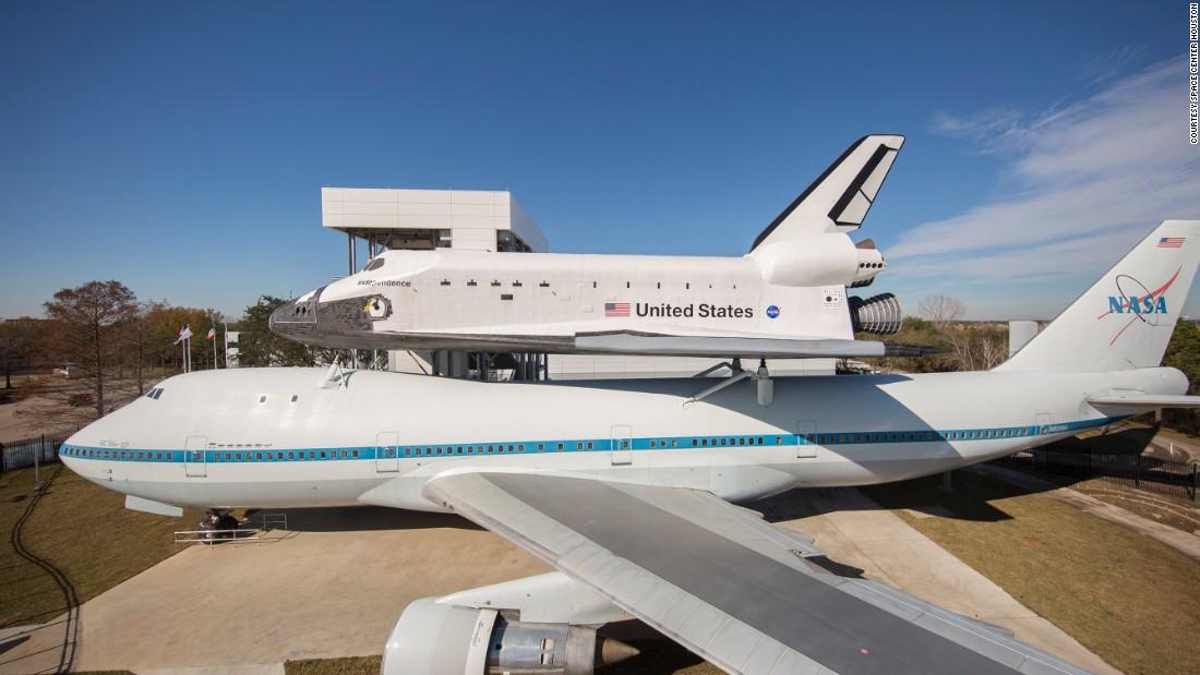 Space shuttle piggyback 747 unveiled - CNN.com