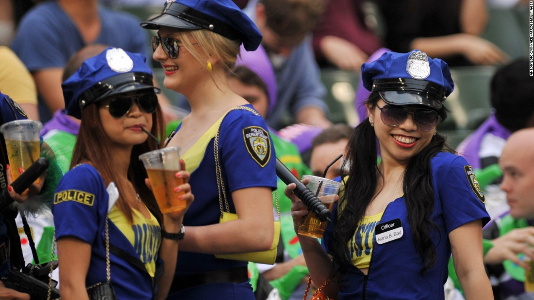 Hong Kong Sevens: Rugby fans through the decades