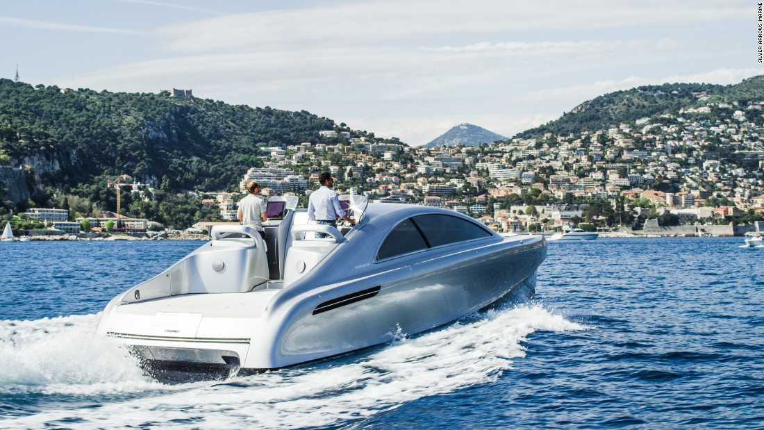 Mercedes-Benz swaps cars for yachts