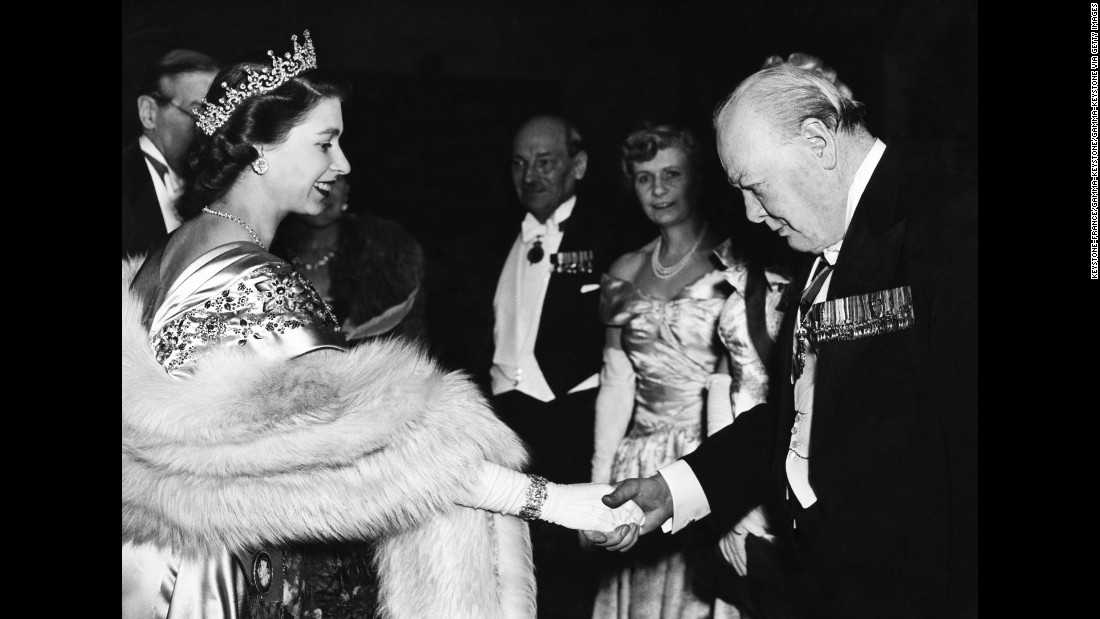 160713121115-restricted-01-queen-elizabeth-prime-ministers---winston-churchill-super-169.jpg
