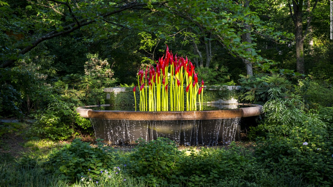 Botanic Gardens Add Art Exhibits By Chihuly And Others