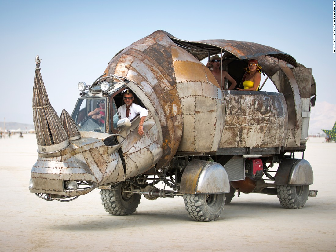 Burning Man S Mutant Vehicles Eat Dust And People Cnn