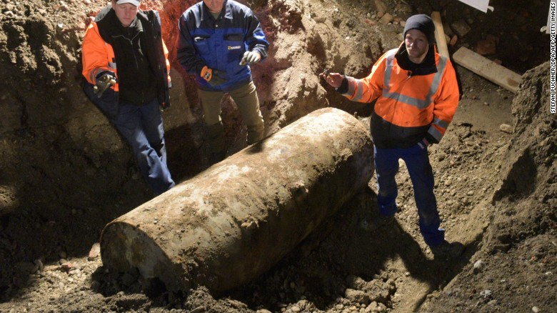 161226113255-01-augsburg-christmas-bomb-