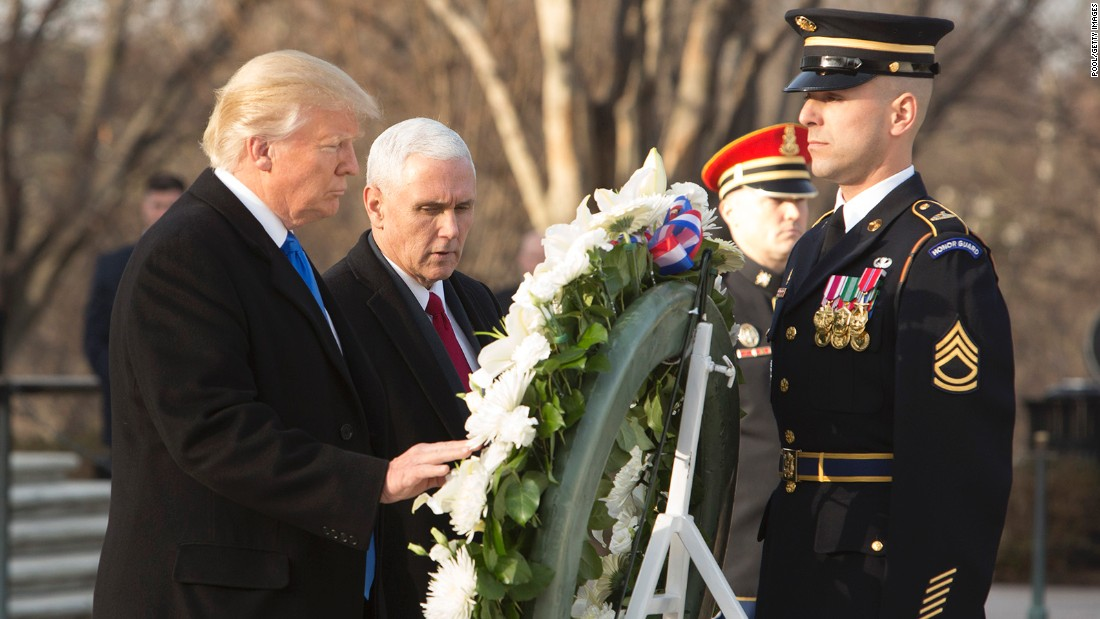 Donald Trump places wreath at Arlington