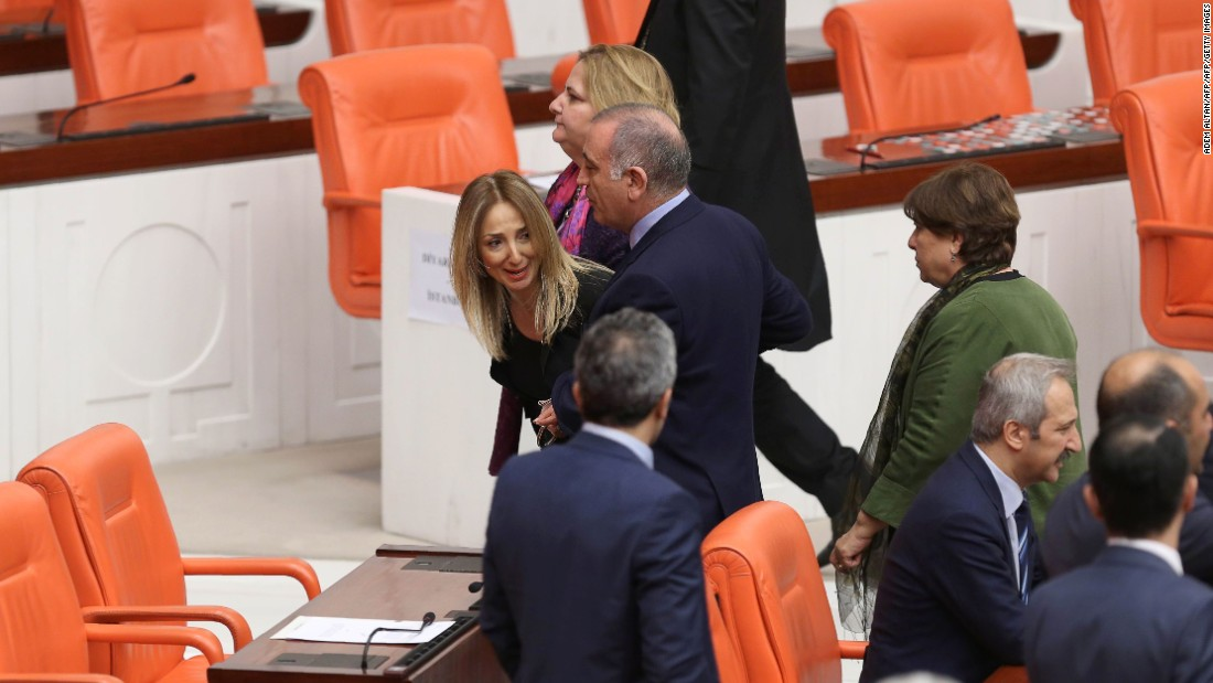 Turkish lawmakers approve bill boosting Erdogan's power