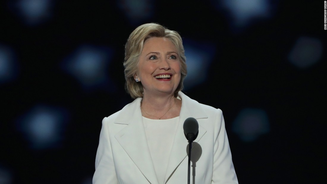 Hillary Clinton tweets support for Women's March
