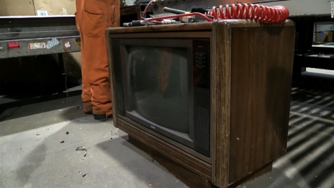 Trash To Treasure More Than 100 000 Found In Old Tv Cnn