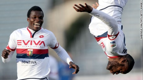 EMPOLI, ITALY - MARCH 05: Julies Oliver Ntcham (R) of Genoa CFC celebrates after scoring a goal during the Serie A match between Empoli FC and Genoa CFC at Stadio Carlo Castellani on March 5, 2017 in Empoli, Italy.  (Photo by Gabriele Maltinti/Getty Images)