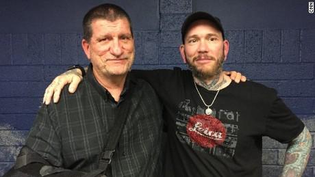 Good Samaritan with a gun saves wounded cop