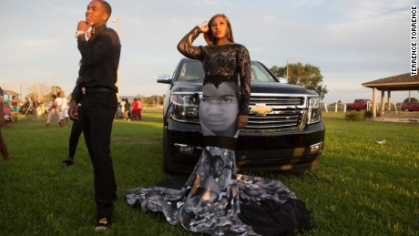 Teen Wears Black Lives Matter Dress To Prom Teen Wears