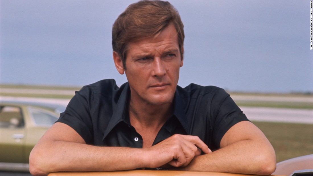 james bond the story everyone 39 s sharing about roger moore. Black Bedroom Furniture Sets. Home Design Ideas