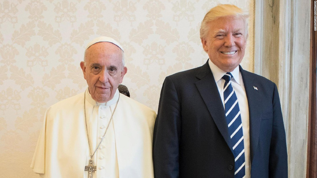 image of Trump meets with the Pope, Spicer not invited
