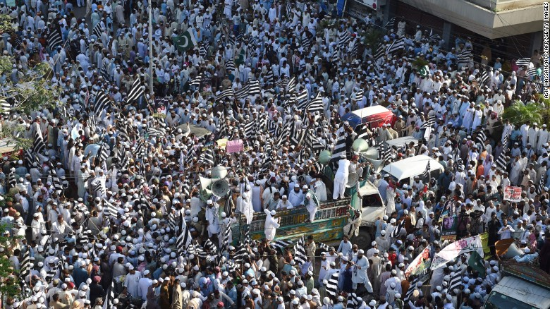 Pakistani Muslims gather during a protest against the Myanmar government in Karachi on September 8, 2017.