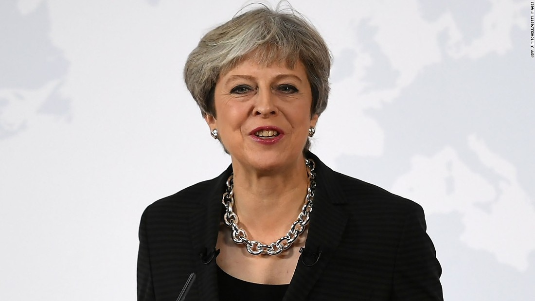 Theresa May is dragging Britain off a Brexit cliff edge ...