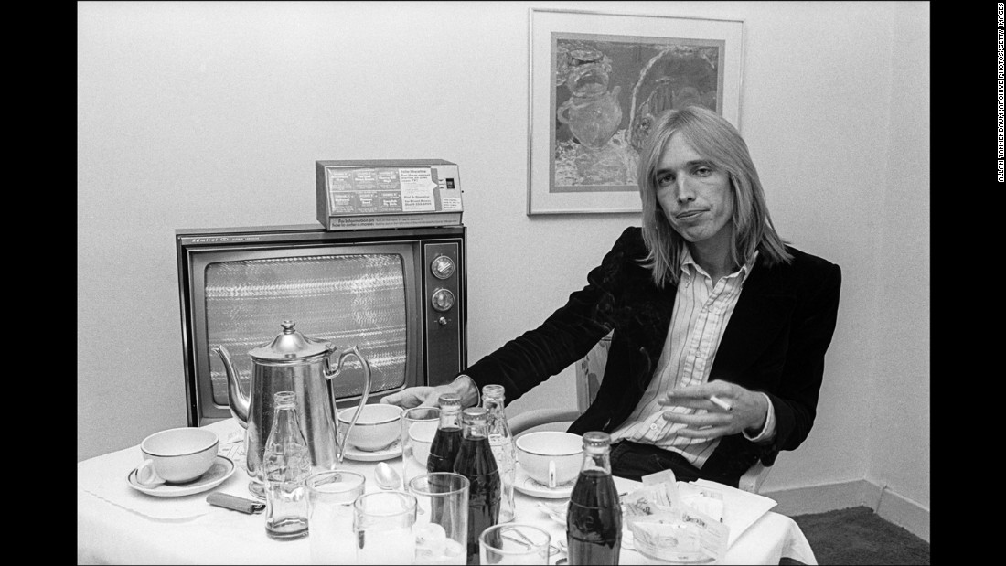 tom petty dies at 66 cnn. Black Bedroom Furniture Sets. Home Design Ideas