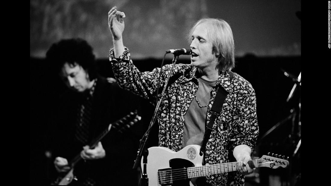 Tom Petty dies at 66 – Trending Stuff